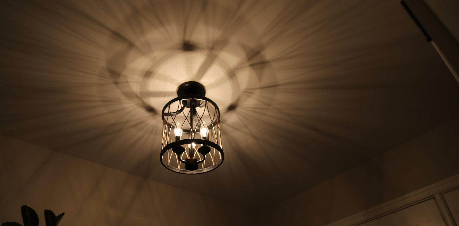 Indoor lighting Electricians in Crofton