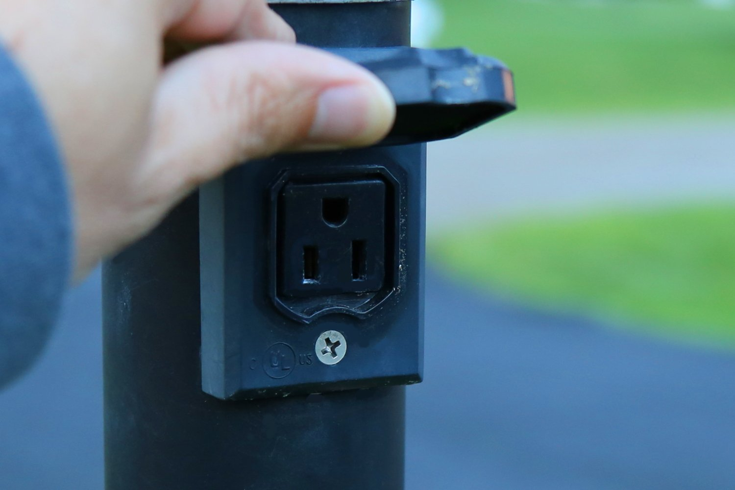 Crofton Electricians for outdoor outlets