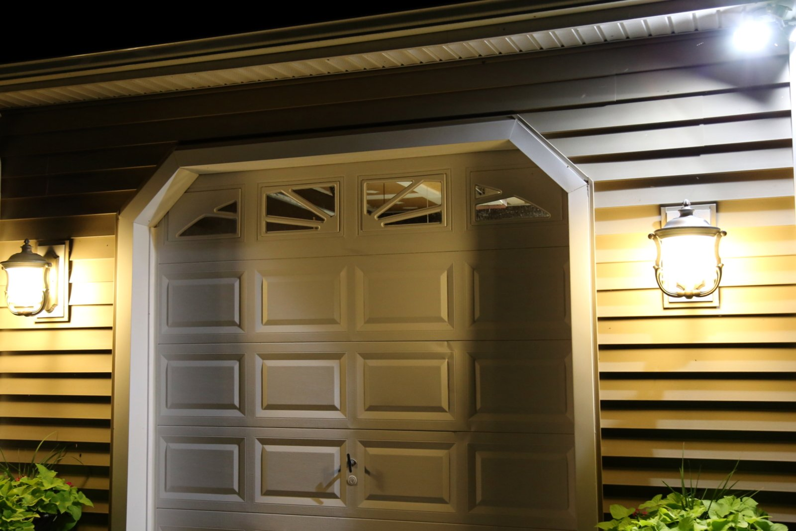 Electrical company for outdoor lighting in Crofton